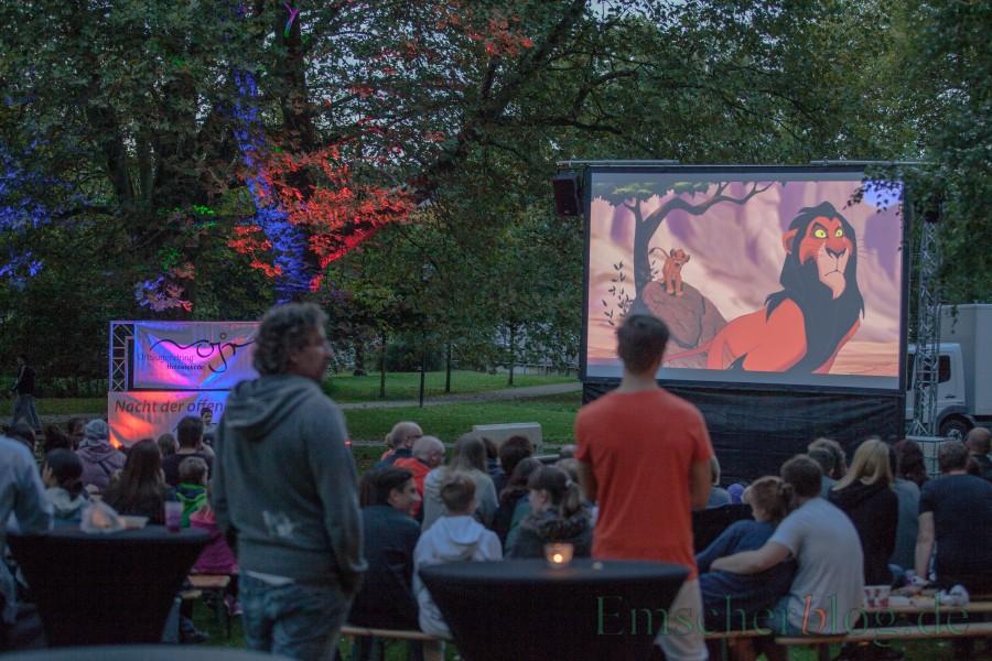 Das Glück der Tüchtigen hatte der Ortsjugendring: Beim ersten Open-Air-Kinoabend nach langer Pause am Freitagabend im Emscherpark herrschte eine zauberhafte sommerliche Atmosphäre. (Foto: P. Gräber - Emscherpark) :
