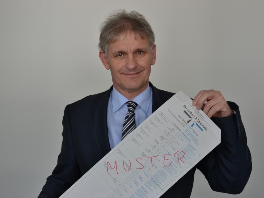 Kreiswahlleiter Michael Makiolla ruft zur Stimmabgabe auf. (Foto: Constanze Rauert – Kreis Unna)