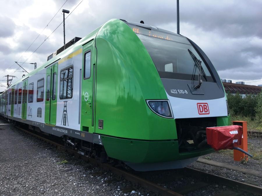 Werden ab 2019 auch auf der Linie S4 eingesetzt: die neuen Züge des Verkehrsverbunds Rhein-Ruhr (VRR) im grünen Design. (Foto: VRR)