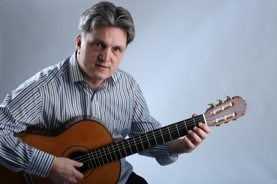 Gastiert am Sonntag (24.9.) in der evangelischen Kirche Opherdicke: der klassische Gitarrist Gerhard Reichenbach. (Foto: )