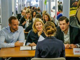 Die IHK bringt wieder Jugendliche und Unternehmen zusammen: Speed-Dating für Azubi. (Foto: IHK Dortmund)