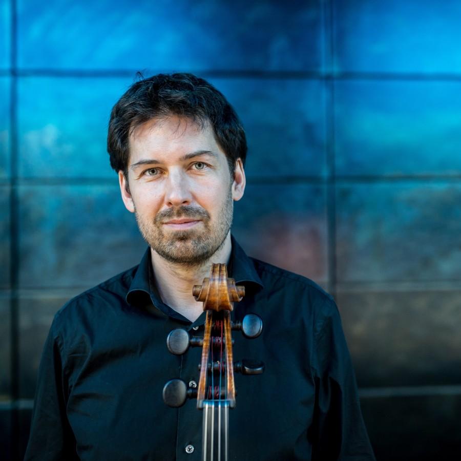 Gastiert auf Haus Opherdicke: der Violinist David Stromberg – (Foto: Raimar von Wienskowski)