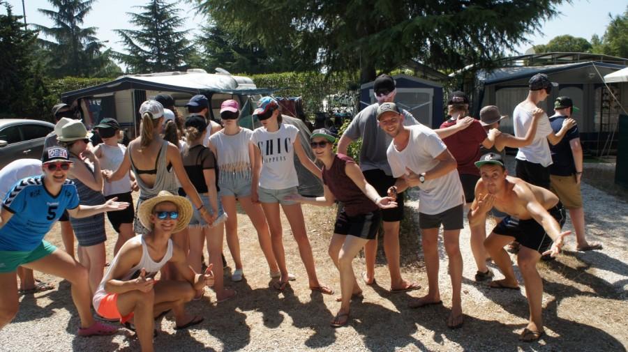 Die KJG möchte im kommenden Jahr wieder mit einer Gruppe Holzwickeder Jugendlicher nach Blanes fahren: Auch diese KJG-Gruppe hatte in Blanes ihren Spaß. (Foto: privat)