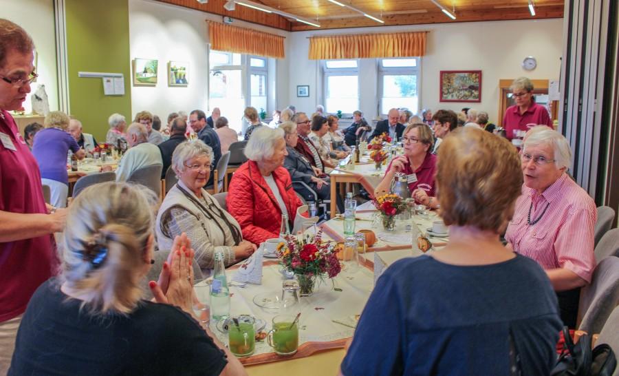 Das 17. Herbstfest des Trägervereins der Senioren-Begegnungsstätte am Samstag (14. Oktober) war sehr gut besucht. (Foto: privat)