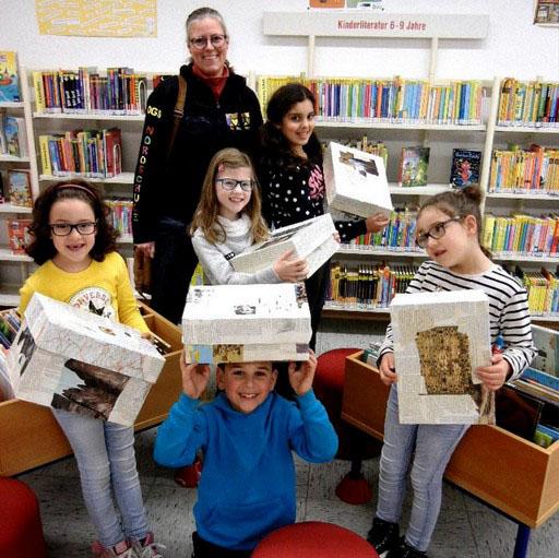 Ab sofort gibt es in der Gemeindebücherei Überraschungskisten fir die Nutzer. (Foto: privat)