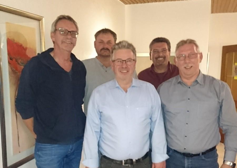 Der alte und neue Vorstand des MSC Holzwickede, v.l.: von links Frank Neuhaus, Stefan Borghardt, Jürgen Becker, Frank Griese, Manfred Dams. (Foto: privat)