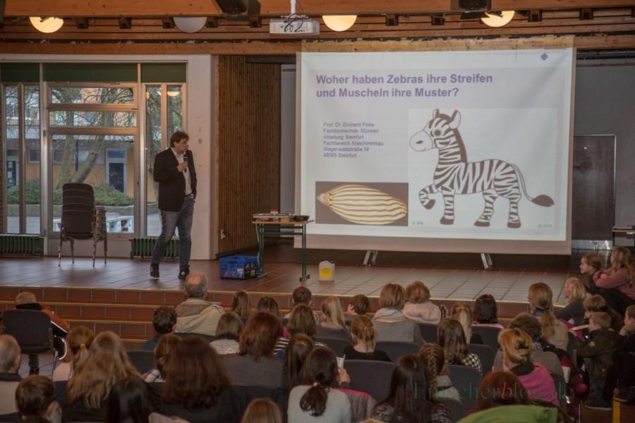"""Bereits im februar gastiert die Kinder-Uni wieder in Holzwickede. Diesmal zum Thema """"Es ist Mathematik!"""". (Foto: P. Gräber - Emscherblog.de)"""