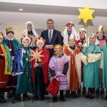 Kreishaus-Besuch zum Dreikönigstag: Landrat begrüßt Sternsinger