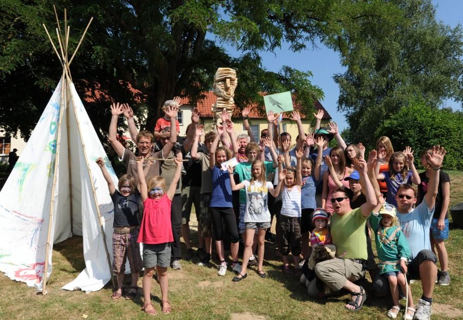 """Das Motto """"Indianer"""" hatten sich Väter und Kinder ausdrücklich gewünscht, nachdem es allen auf einem der letzten Festivals so viel Spaß gemacht hat. (Foto: EK Unna)"""