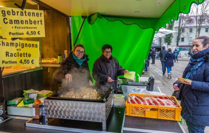 Genau das richtige bei den winterlichen Temperaturen: gebratener Camenbert mit Preiselbeeren oder heiße Champignons. (Foto: P. Gräber - Emscherblog.de)