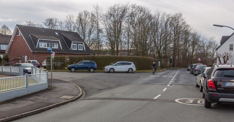 Auf einen Kreisverkehr im Bereich Sölder Straße/Breiter Weg zugunsten einer Ampel an der Einmündung zur Hauptstraße zu verzichten, haben auch Bürger schon im Fachausschuss vorgeschlagen. (Foto: P. Gräber - Emscherblog.de)