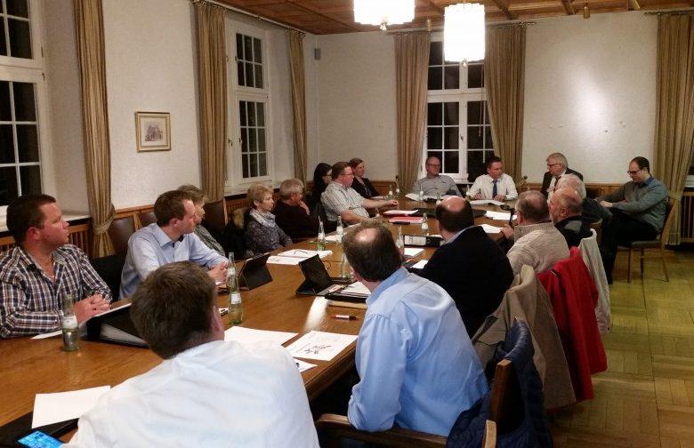 Die CDU-Fraktion ließ sich in ihrer Fraktionssitzung diese Woche vom Geschäftsführer des JobCenters Kreis Unna, Uwe Ringelsiep, über die aktuelle Arbeitsmarktsituationinformieren. (Foto: privat)
