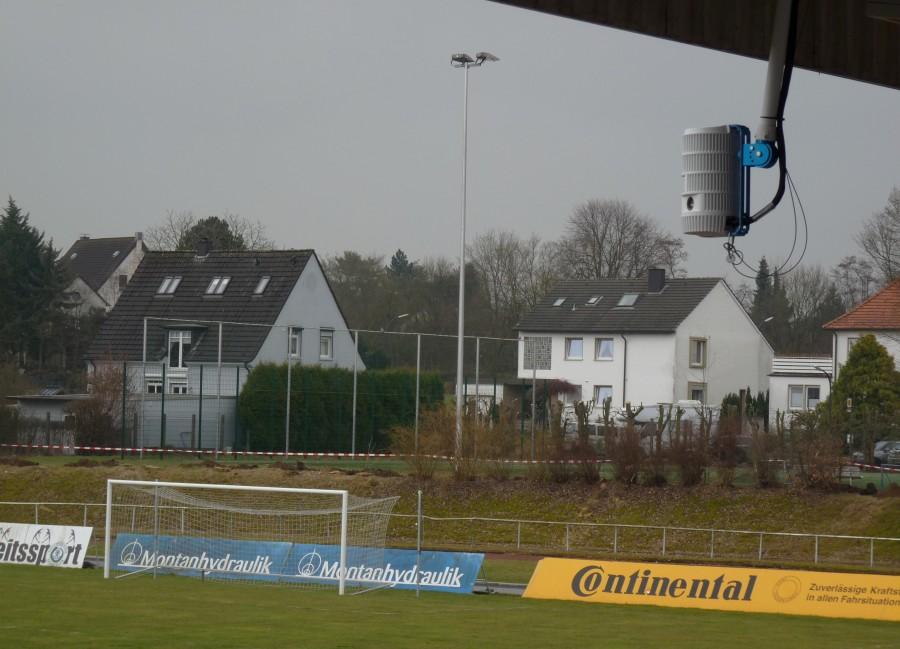 Die Spiele des HSCV werden künftig live über diese Kamera am Stadiondach übertragen. (Foto: privat)