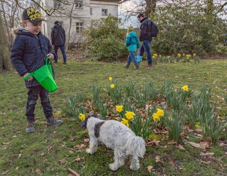 Ganz clever: Auch Spürhunde wurden bei der Ostereiersuche eingesetzt. (Foto: P. Gräber - Emscherblog.de)
