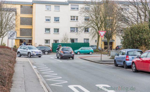 3/4 aller Fahrzeuge warten weniger als 20 Sekunden an der Einmündung Sölder Straße / Hauptstraße. Mit Blick auf den Wohnpark Emscherquelle sieht der Verkehrsgutachter keinen Handlungsbedarf. (Foto: P. Gräber - Emscherblog.de)