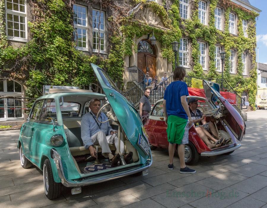 Große und kleine automobile Klassiker sind am 9. Juli wieder bei der Haarstrang-Klassik des MSC Holzwickede vor dem Rathaus zu bewundern. (Foto: P. Gräber - Emscherblog.de)