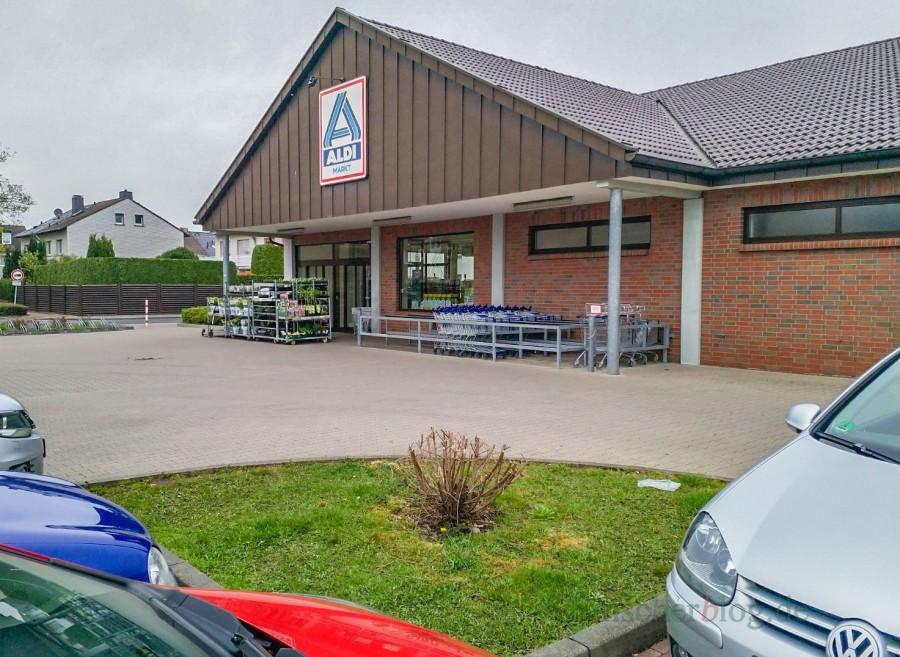 Der Lebensmitteldiscounter Aldi an der Stehfenstraße will neu bauen und seine Verkaufsfläche verdoppeln. (Foto: P. Gräber - Emscherblog.de)
