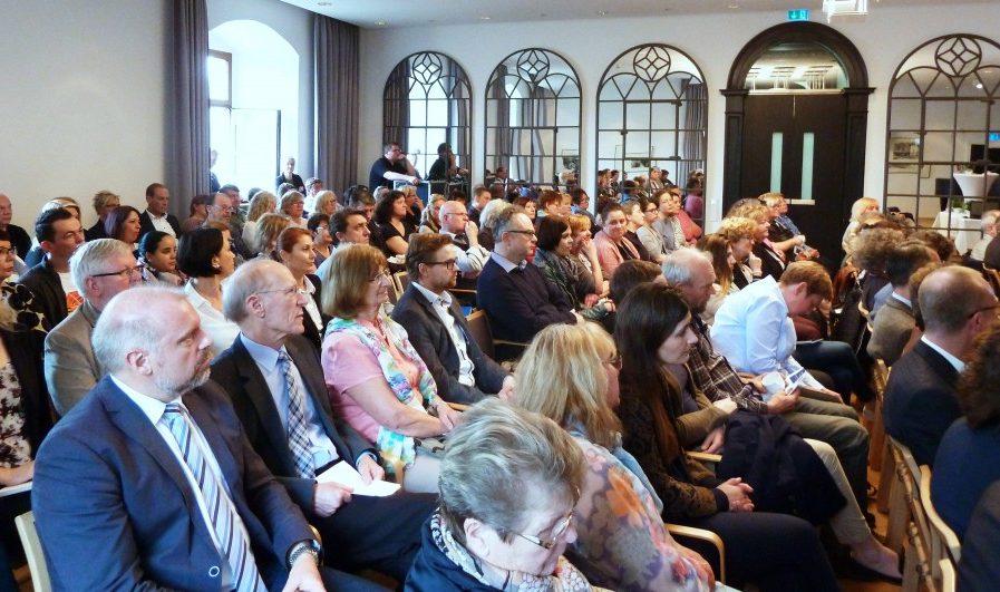 Fast 130 Teilnehmer diskutierten beim Symposium Gerontopsychiatrie auf Haus Opherdicke. Foto Jasmin Sowik – Kreis Unna