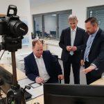 Flüchtlingsminister würdigt Arbeit der Erstaufnahme im Kreis Unna