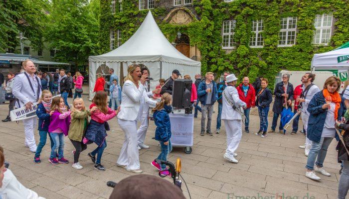 Auch die jüngsten Besucher der Holzwickeder Streetfood-Marktes hatten ihren Spaß. (Foto: P. Gräber - Emscherblog.de)