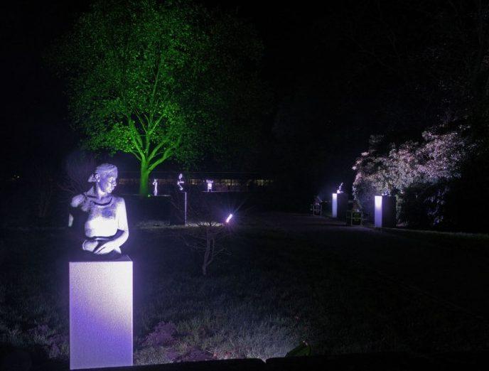 Der Skulpturenpark wird bei der Extraschicht in Licht getaucht. Foto Thomas Kersten – Kreis Unna