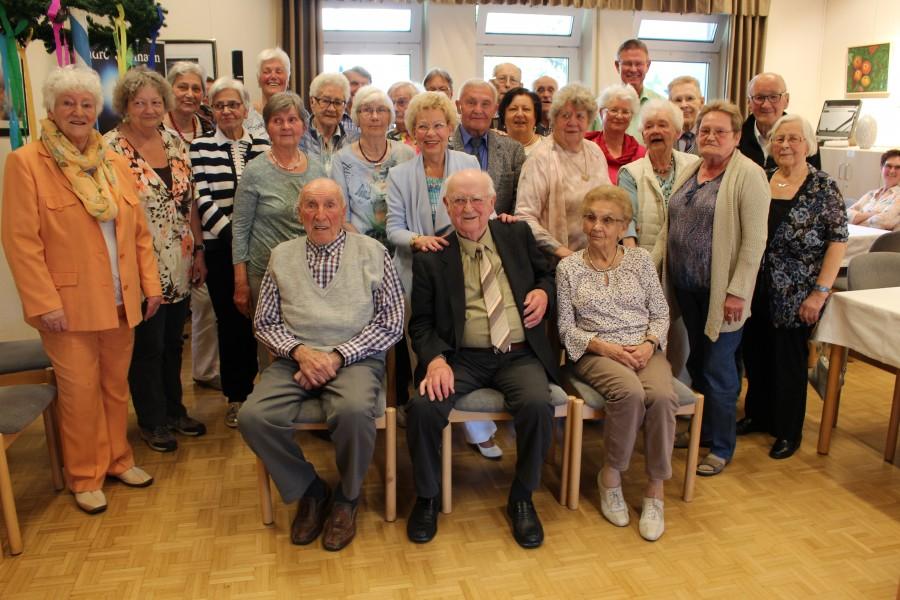 Der Trägerverein der Senioren-Begegnungsstätte hatte am Fvergangenen Freitag zu seiner 68. Geburtstagsnachfeier eingeladen. Älteste Besucher waren mit 89 Jahren die Vereinsmitglieder Thea Gärtner und Günther Feige. (Foto: (privat)