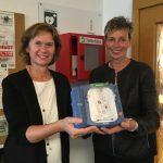 Gerät kann Leben retten: Defibrillator für Seniorenbegegnungsstätte