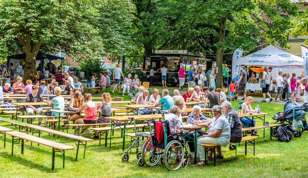 Die evangelische Kirchengemeinde feiert ihr zweitägiges Gemeindefest auf dem Gelände an der Goethestaße. (Foto: P. Gräber - Emscherblog.de)