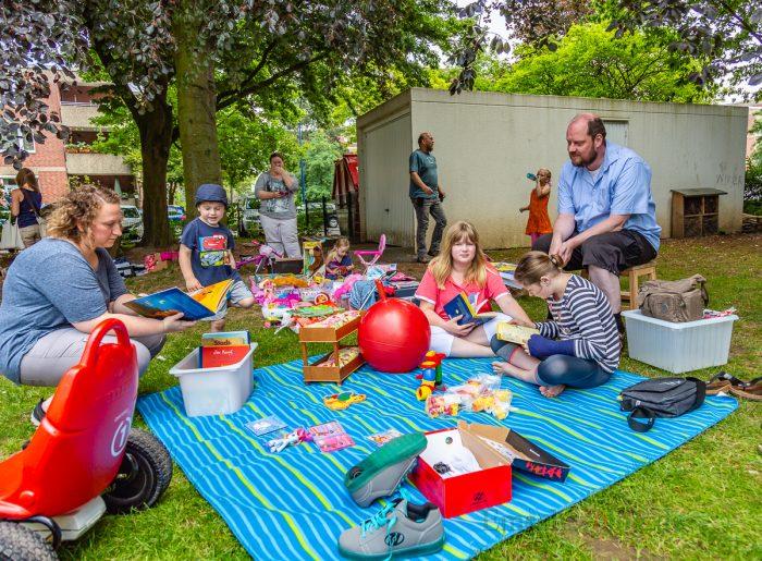 Im hinteren Bereich des Geländes lädt ein Kindertrödel zum Stöbern ein. (Foto: P. Gräber - Emscherblog.de)