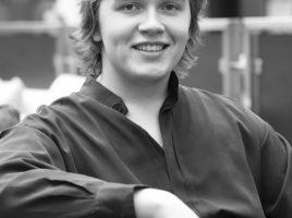 Der Cellist Ivan Karizna hat mit fünf Jahren angefangen zu musizieren. Heute ist er ein ausgezeichneter Künstler. (Foto: Alexander Ivanov)