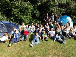 Auf dem Gelände des Familienzentrums Löwenzahn trafen sich etwa 40 Erwachsene und Kinder am vergangenen Samstag zum traditionellen Zeltlager. (Foto: privat)