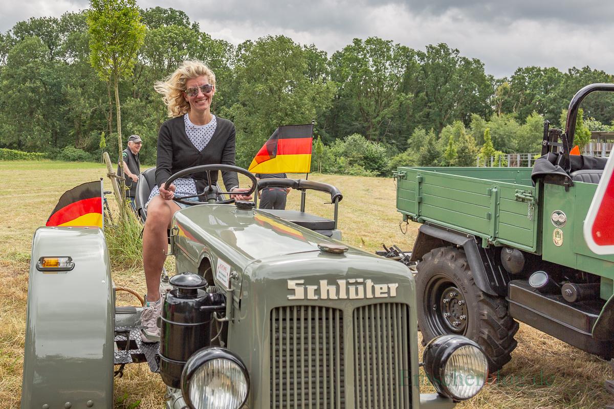 ... aber auch die erwachsenen Besucher hatten ihren Spaß an den Treckern.  (Foto: P. Gräber - Emscherblog.de)