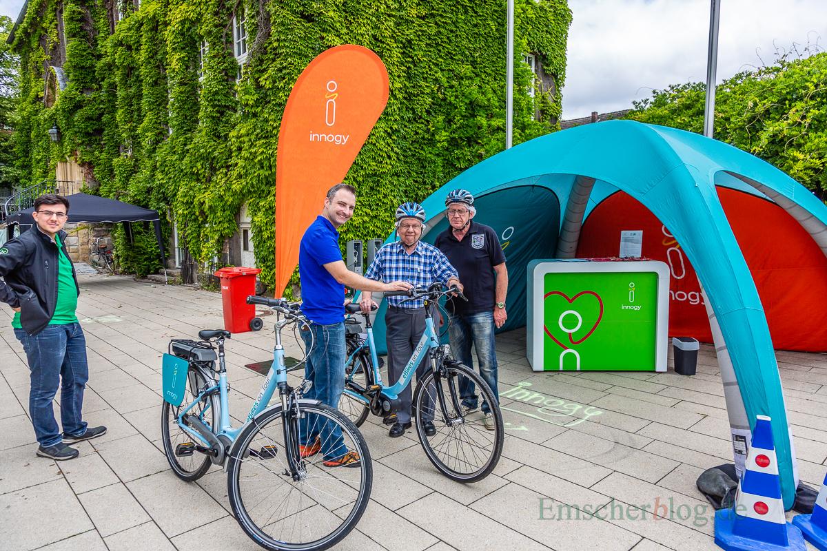 Am Innogy-Stand konnten sich Interessierte zur Probefahrt in den Sattel eines E-Bikes schwingen. (Foto: P. Gräber - Emscherblog.de)