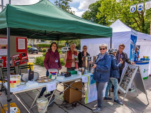 Die Fair Trade Gemeinde buk Waffeln und Kaffee aus fair gehandelten Produkten an. (Foto: P. Gräber - Emscherblog.de)