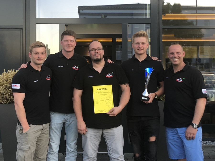 Erfolgreiche Darter, v.l. Von links: Luca Vöckel, Nils Hoppe, Holger Uhtes, Felix Harbig, Andre Brockmann . (Foto: privat)