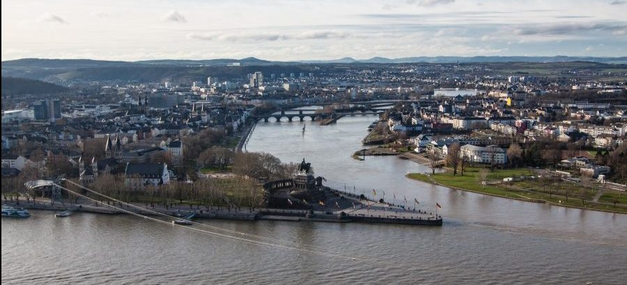 Ziel der CDU-Bürgerfajhrt: das Deutsche Eck in Koblenz. (Foto: P. Gräber - Emsvcherblog.de) M