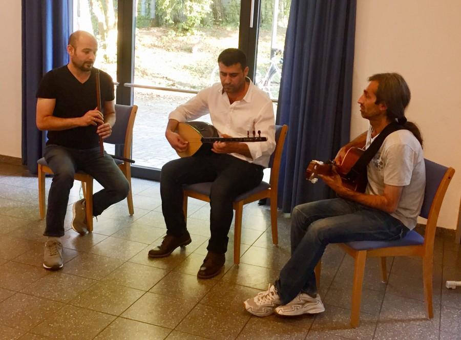 Eine Gruppe syrischer Musiker sorgte für den musikalischen Rahmen der Veranstaltung. (Foto: privat)