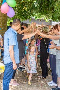Am Sonntag werden die angehenden Schulkinder des Familientrums Löwenzahn  im Rahmen des Familienfestes verabschiedet. Das Foto zeigt die Verabschiedung der Kinder im vorigen Jahr, (Foto: P. Gräber - Emscherblog)