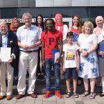 Feierstunde zur Einbürgerung: Landrat gratuliert