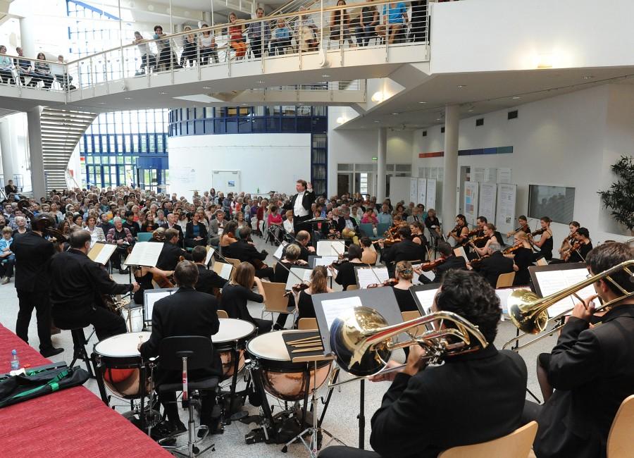 Gastieren am Freitag (13. Juli) auch in der Liebfrauenkirche in Holzwickede: Sommerkonzert des Chores und Orchesters der Universität Witten/Herdecke. (Foto: Universität Witten/Herdecke)
