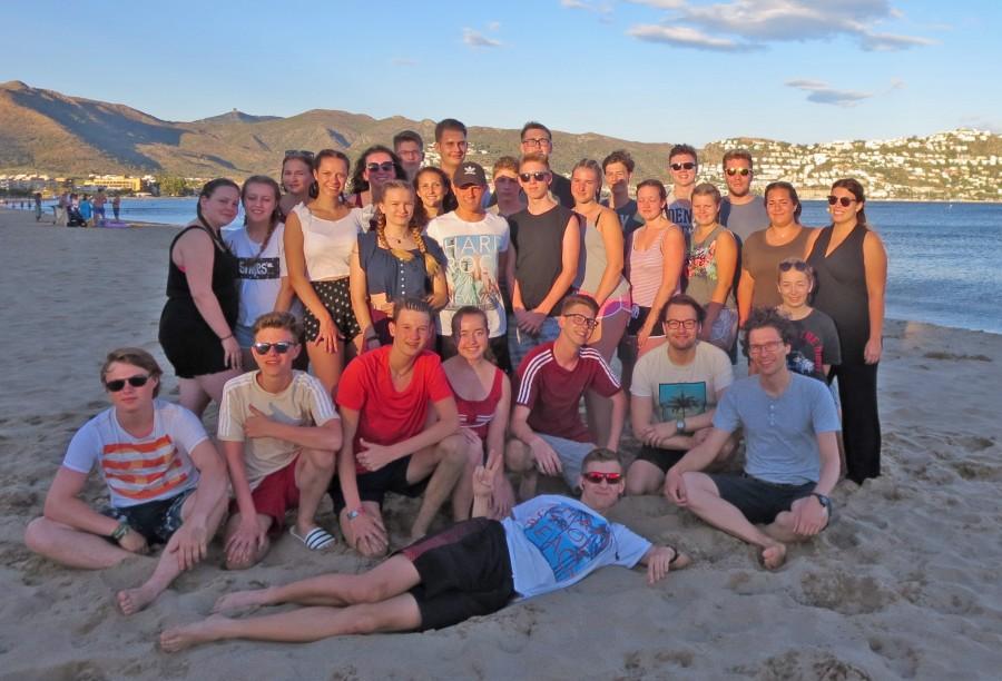 Urlaubsgrüße in die Heimat sendet diese Jugendgruppe der Ev. Jugend Holzwickede, die noch bis kommenden Sonntag eine tolle tolle Ferienfreizeit in Spanien erlebt. (Foto: privat)