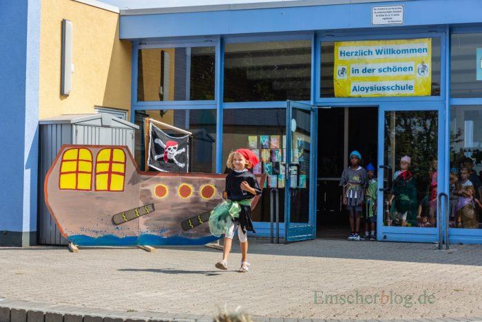 Mit einer bunten Piratenshow klang heute die Ferienbetreuung in der OGS der Aloysiusschule aus. (Foto: P. Gräber - Emscherblog.de)
