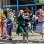 Bunte Piraten-Show zum Ausklang der Ferienbetreuung in der Aloysiusschule