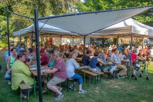 Christdemokraten treffen sich im Kirchbiergarten