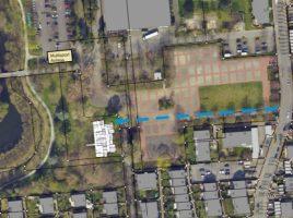 Diese Planskizze zeigt, über welche Zuwegung (blaue Linie) die Kita erschlossen werden soll. (Skizze: Gemeinde Holzwickede)