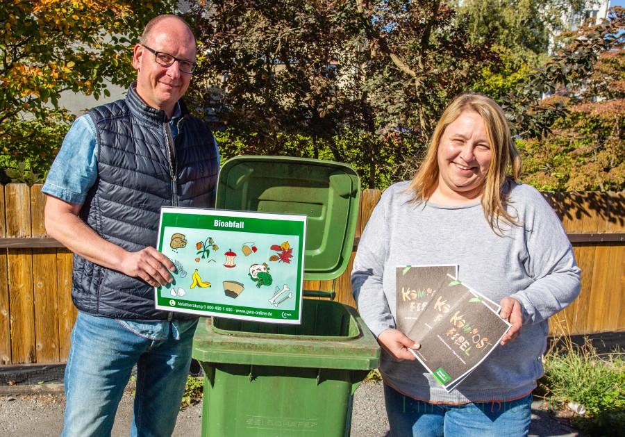 Schreiben in den nächsten Tagen alle Eigenkompostierer ohne Biotonne an: GWA-Abfallberater Mirko Blasche und die Umweltbeauftragte der Gemeinde, Tanja Flormann. (Foto: P. Gräber - Emscherblog.de)