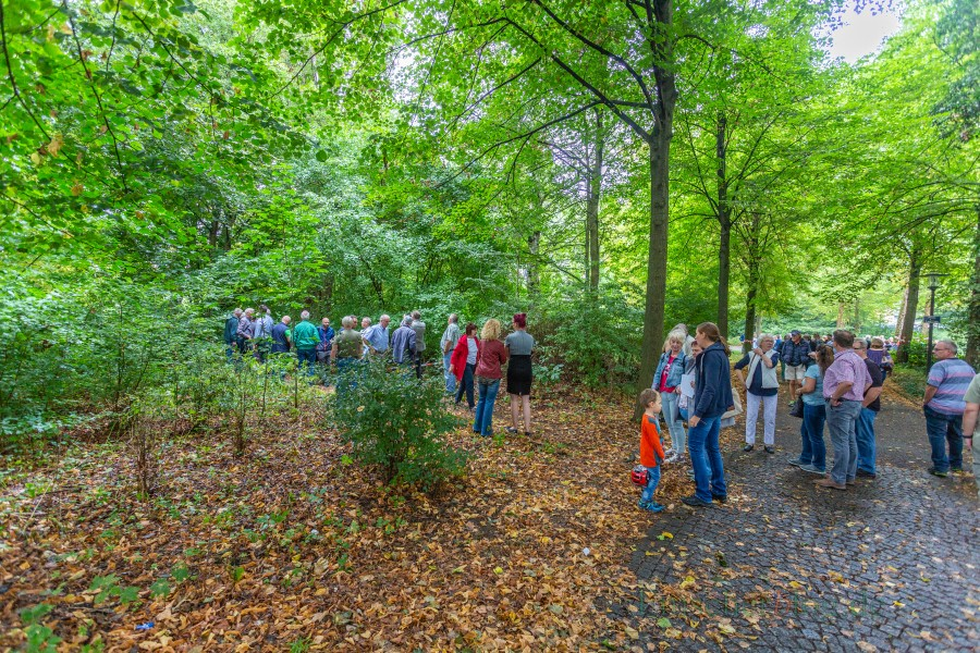 Die JU appelliert, den Kita-Neubau nicht weiter zu verzögern: Protestaktion des Historischen Vereins auf dem Baufeld im Emscherpark. (Foto: P. Gräber - Emscherblog.de)