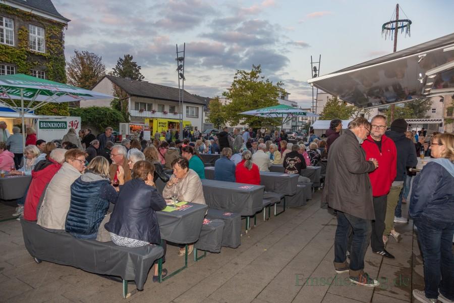 Zum letzten Mal in diesem Jahr konnten die Holzwickeder heute ihren Streetfood-Markt. genießen (Foto: P. Gräber - Emscherblog.de)