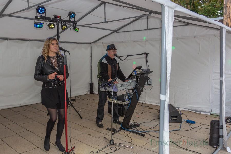 Das Duo Massimo Grande & Anna Estera sorgte für den musikalischen Rahmen. (Foto: P. Gräber - Emscherblog.de)