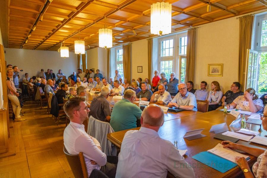 Anschließend wurde die Sitzung des Umweltausschusses im Rathaus fortgesetzt. (Foto: P. Gräber - Emscherblog.de)
